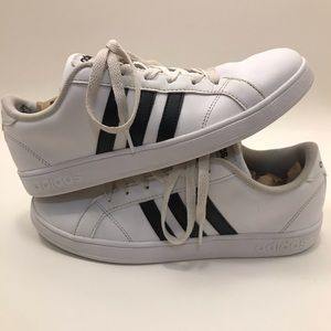 Adidas   W 7.5-8 / Y6   White Neo Comfort Footbed
